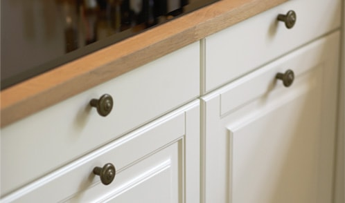 Joiner kitchenTHE ROMANTIC COUNTRY STYLE WITH HANDCRAFTED DETAILS