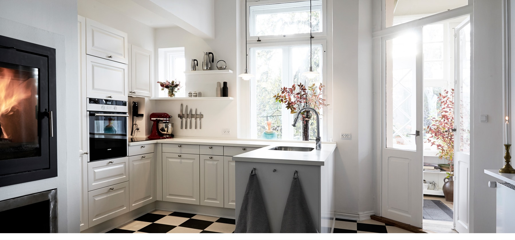 Romantic kitchen atmosphere WITH HISTORY
